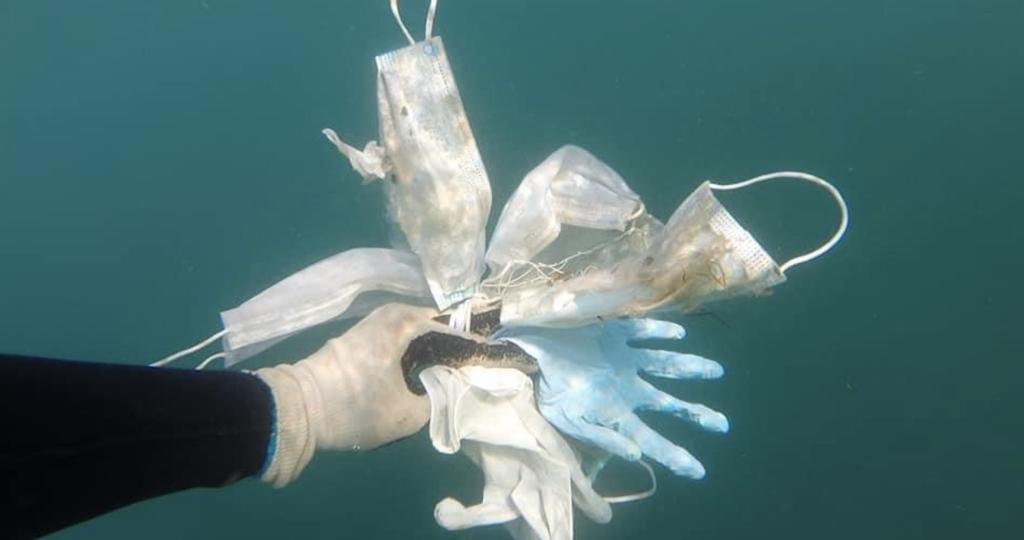 Déconfinement : les «déchets Covid» atteignent le milieu marin